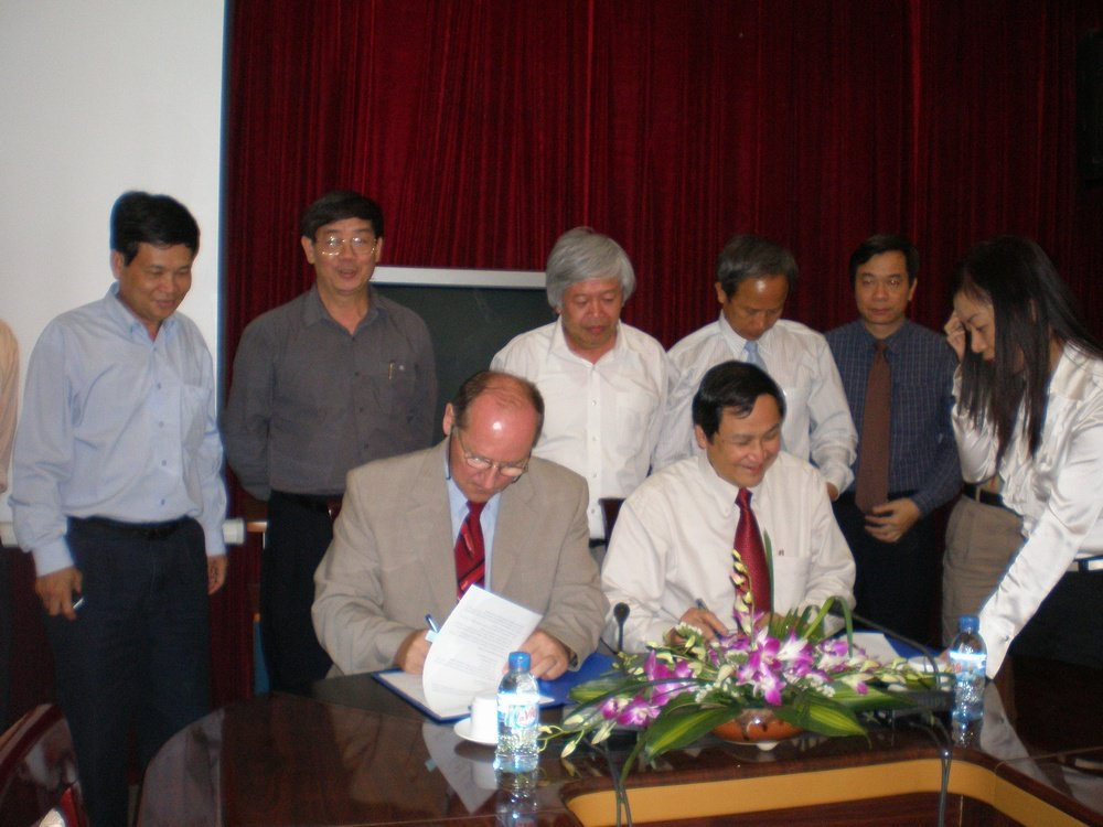 Podpis Memoranda VINACHEM-ANTARES, Vietnam<br />