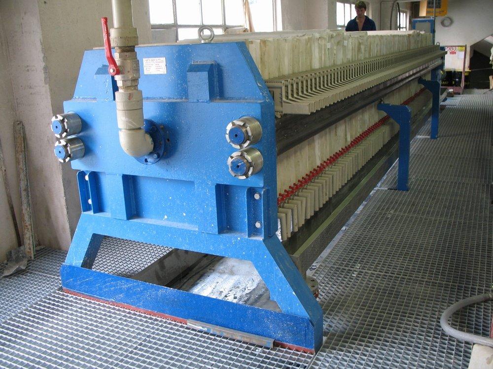 Elektroporcelán Merklín<br />Příprava kaolínové hmoty na výrobu izolátorů.